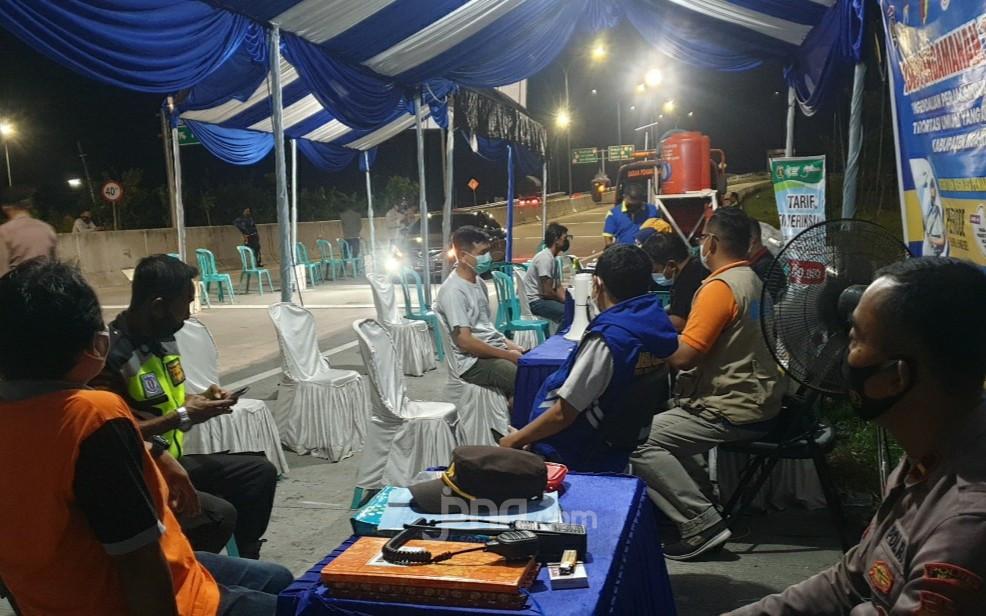 Penyekatan di Perbatasan Jawa Timur Berlangsung Ketat - JPNN.com