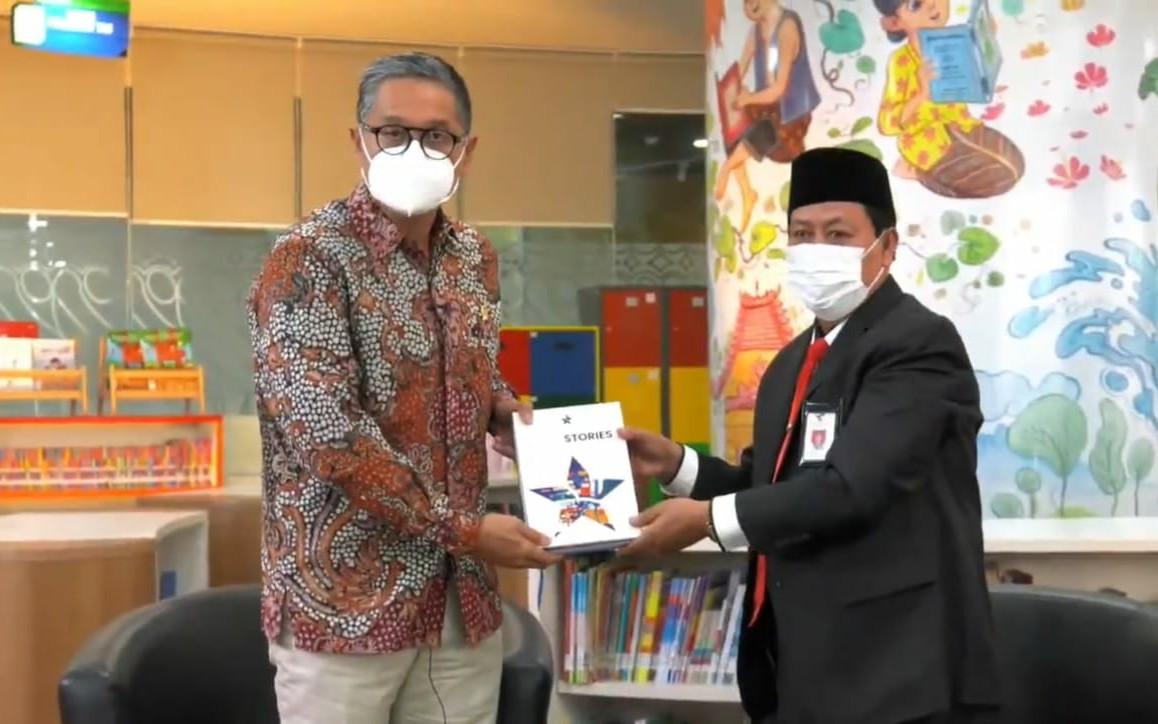 Kepala Perpusnas: Indonesia Kekurangan 500 Juta Buku yang Harus Didistribusikan - JPNN.com