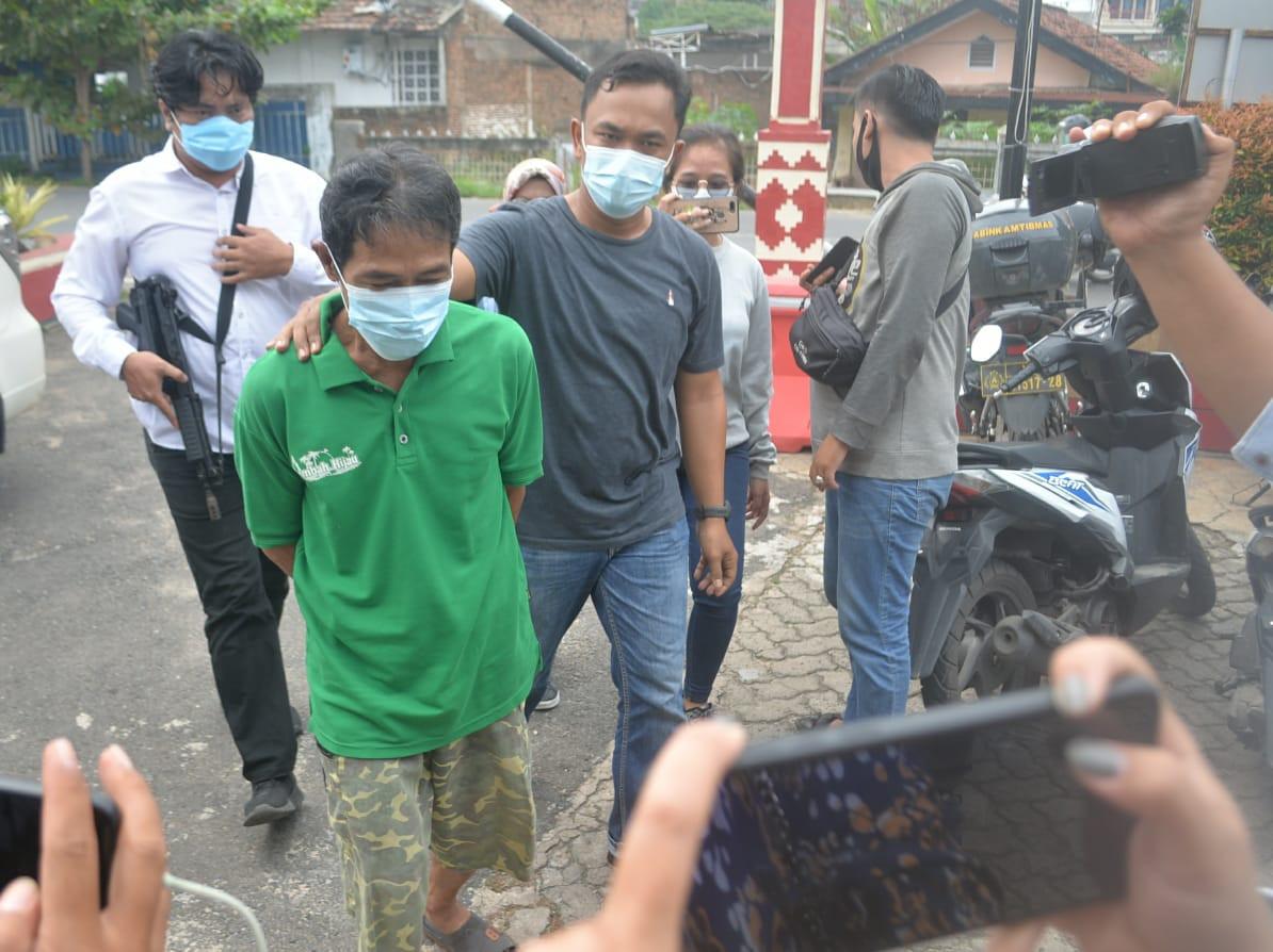 Warta Pakai Modus Ritual Mandi, Korban Dukun Cabul Itu Sudah 3 Orang, Lihat Tampangnya - JPNN.com