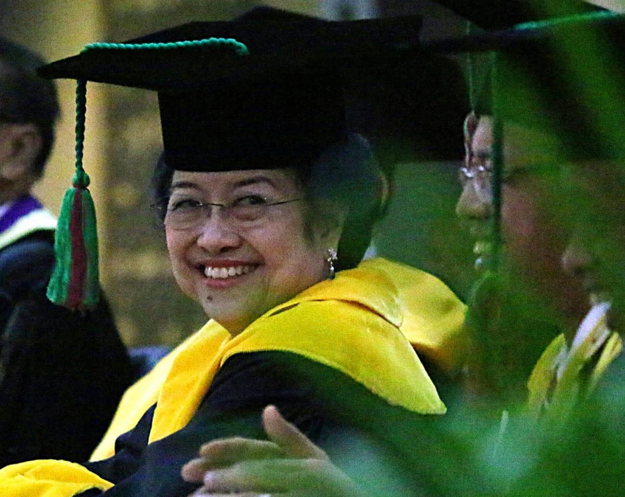 Profesor Jepang: Kepemimpinan Megawati Mewarisi Gaya Soekarno yang Simpati pada Rakyat Jelata - JPNN.com