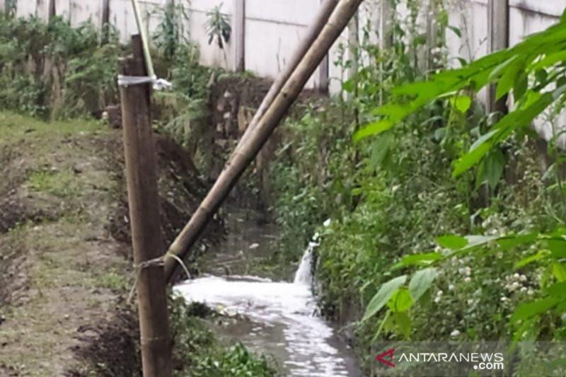 Sontoloyo, Perusahaan Buang Limbah ke Sungai, Kok Cuma Ditegur - JPNN.com