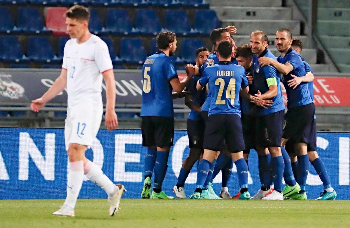 2 Bek Italia Mengancam Turki Menjelang Laga Perdana Euro 2020 - JPNN.com