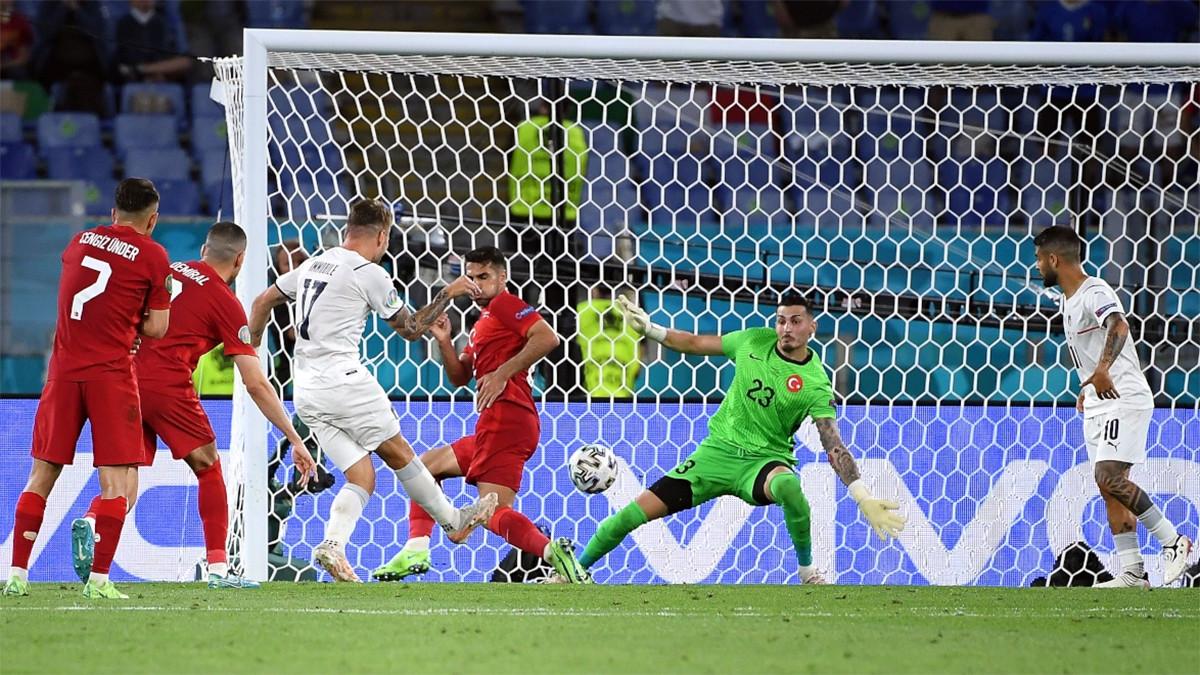 Bunuh Diri dan Rekor Fantastis Warnai Kemenangan Italia di Pembuka Euro 2020 - JPNN.com