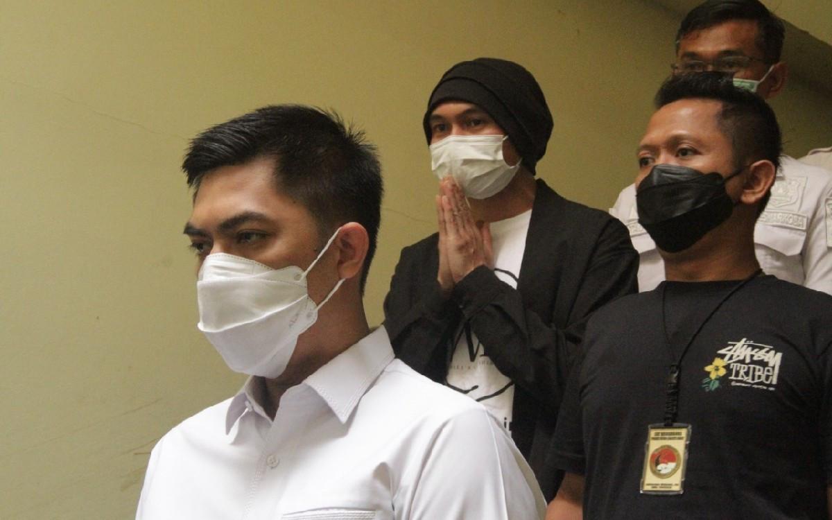 4 Bulan Terpisah, Anji Kangen-Kangenan Bareng Keluarga - JPNN.com