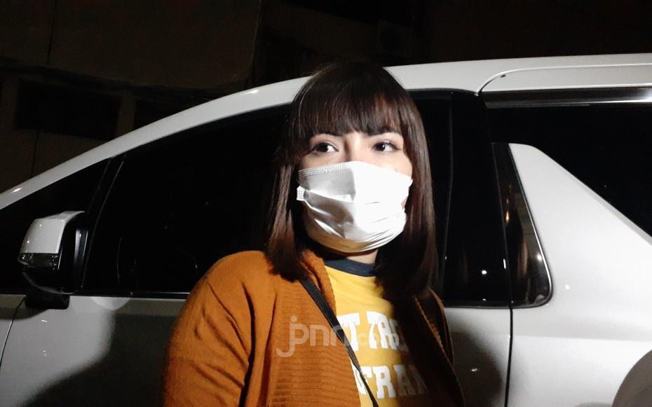 Didampingi 3 Polisi, Dinar Candy Akhirnya... - JPNN.com