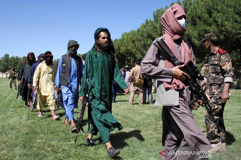 Afghanistan Butuh Uang, Taliban Temukan Tumpukan Emas dan Dolar di Rumah Eks Pejabat - JPNN.com