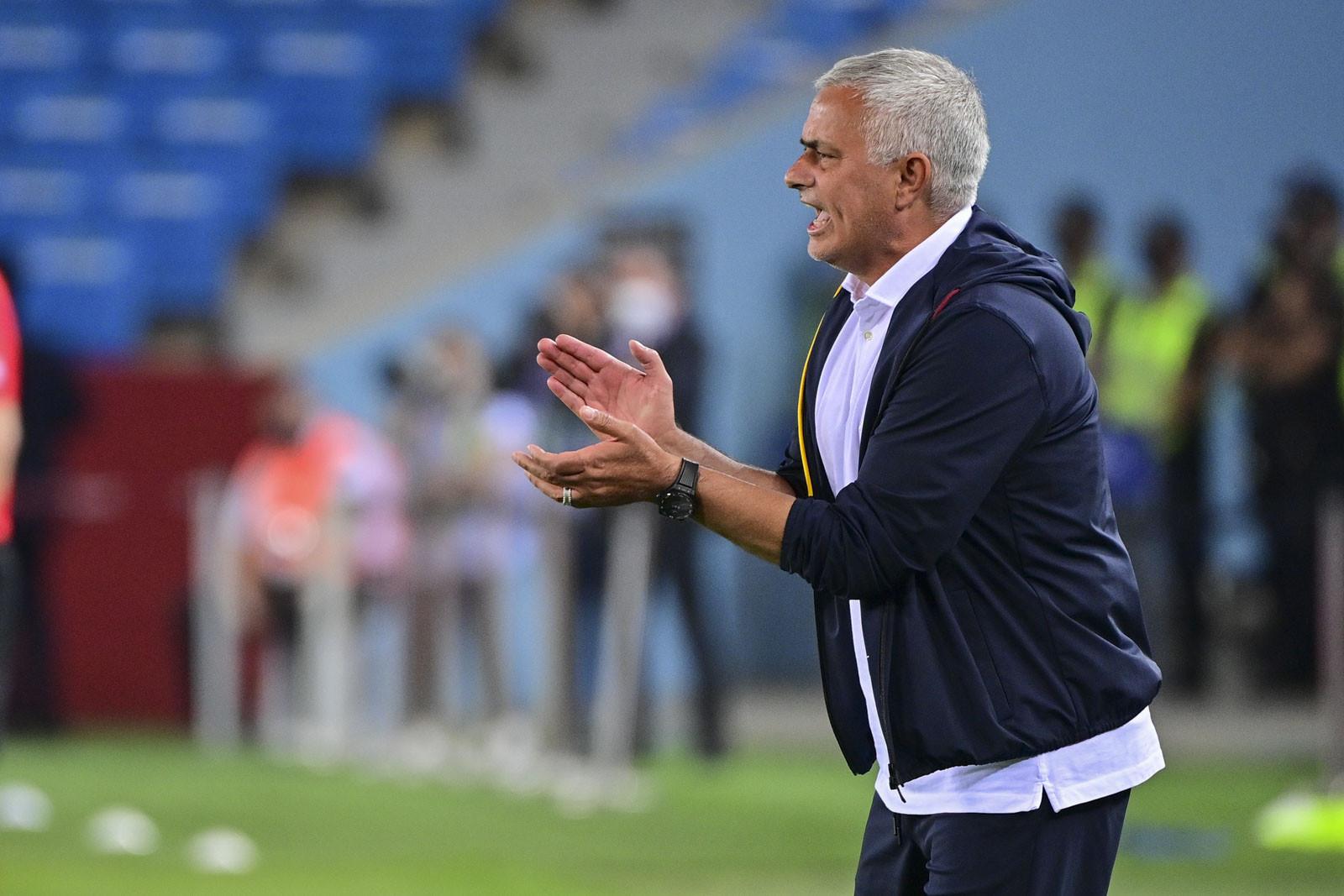 AS Roma Takluk di Tangan Hellas Verona, Jose Mourinho Puji Manajer Rival - JPNN.com