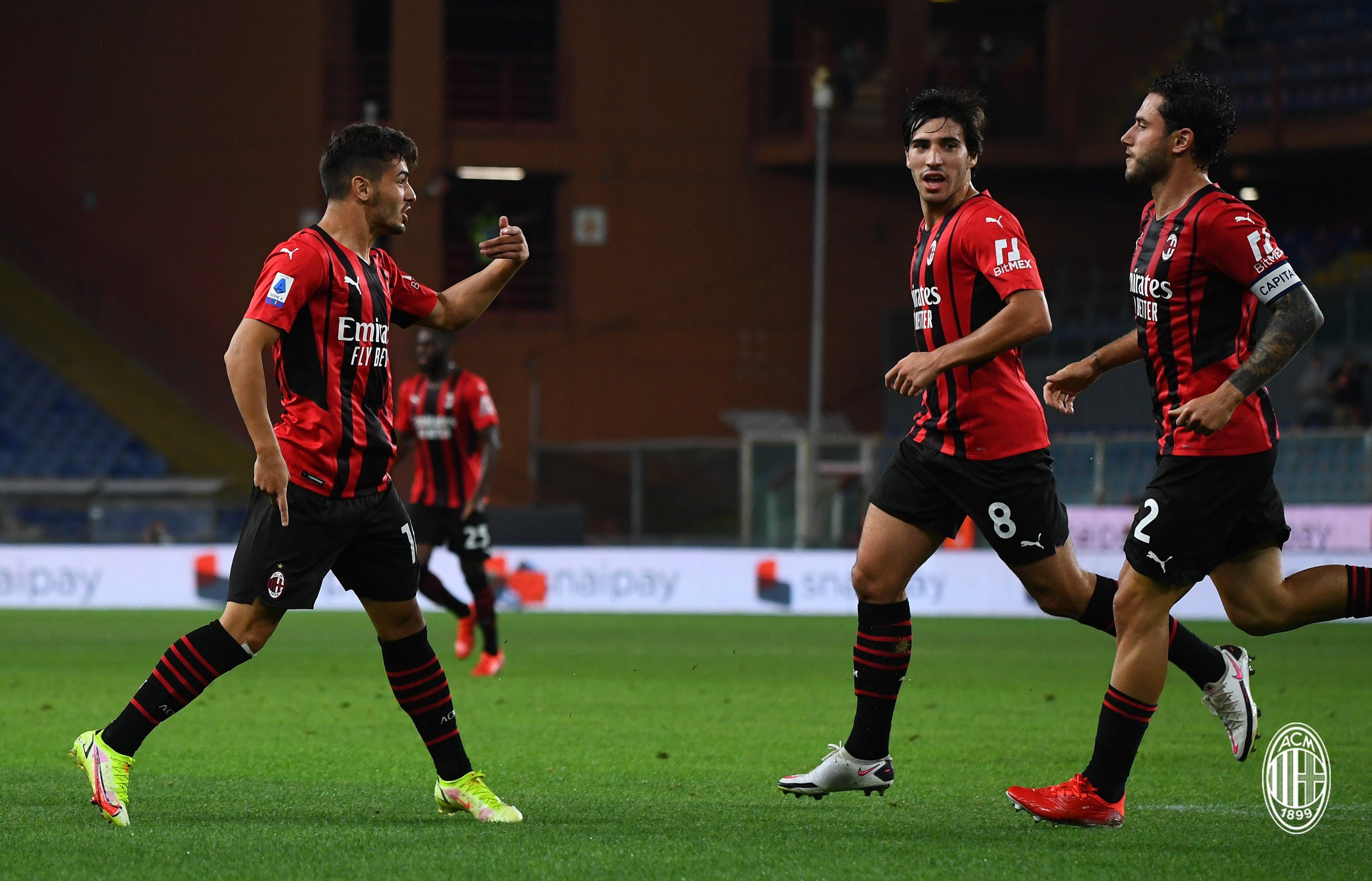 Kalahkan Spezia, AC Milan Puncaki Klasemen Serie-A - JPNN.com