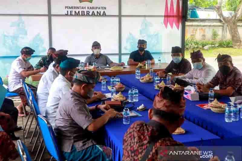 Bupati Tamba: Jembrana Siap PTM Senin Depan, Ingatkan Sterilisasi Sekolah Tempat Isoter - JPNN.com Bali