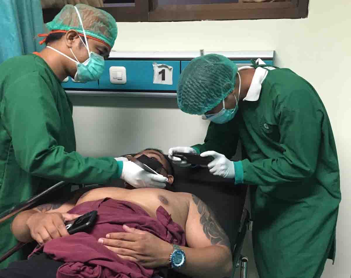 Pemuda Baktiseraga Buleleng Ditusuk Pria Misterius di Pantai Penimbangan, Begini Kronologisnya - JPNN.com Bali