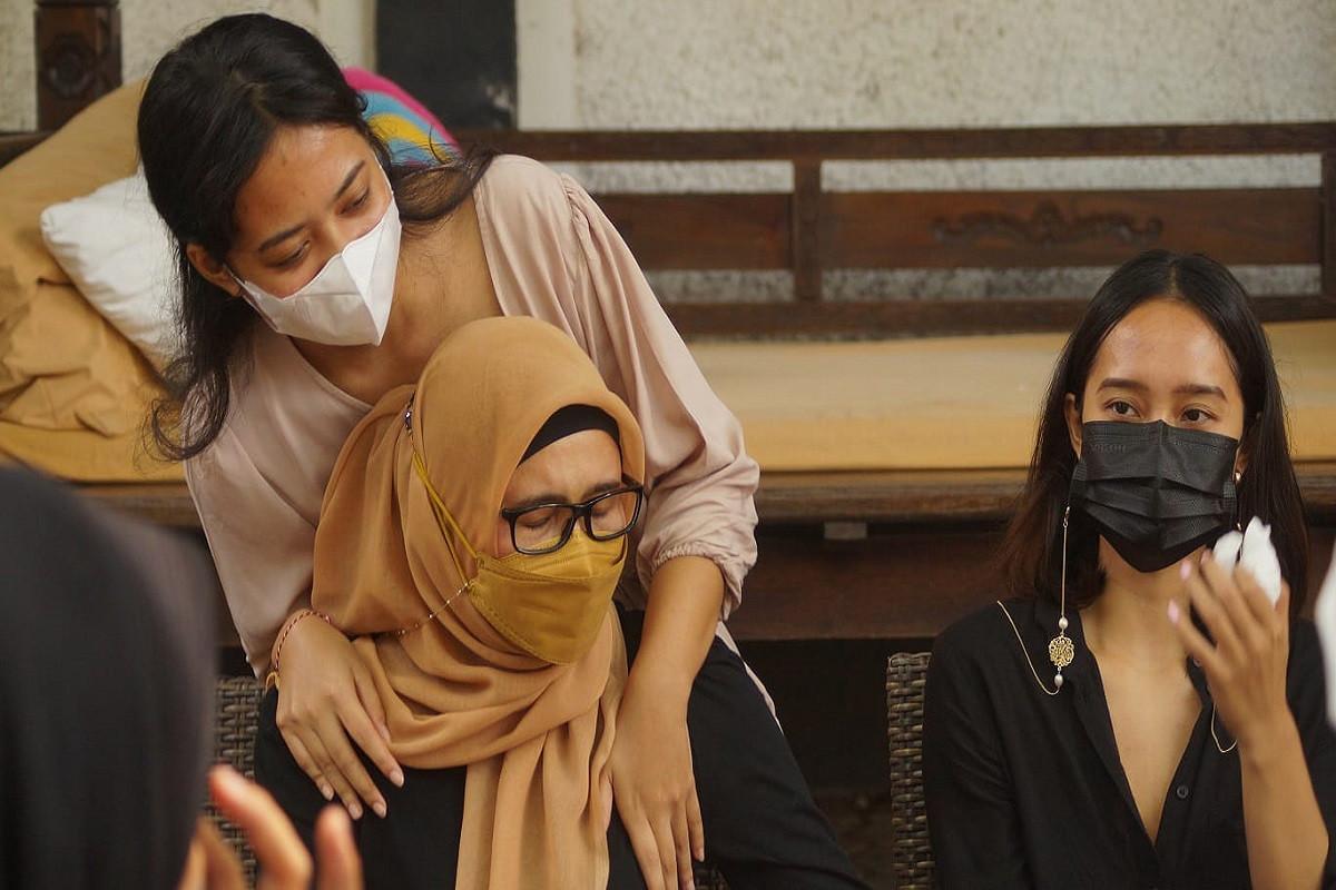 Dewi Tayeb Ajukan Jadi Penjamin Zaenal Tayeb, Sebut Sang Suami Idap Diabetes - JPNN.com Bali