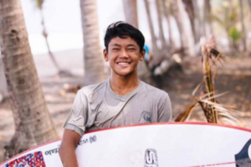 Atlet Bali Ryuki Waida Borong Emas Ekshibisi Selancar Ombak PON Papua, Selamat - JPNN.com Bali