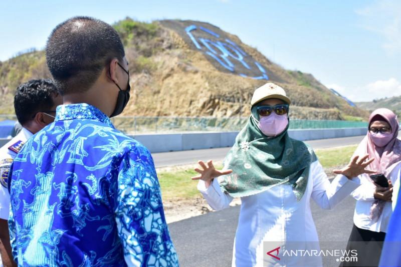Cek Bandara, Jalan Bypass Hingga Tikungan 10 Sirkuit Mandalika, Ini Temuan Ibu Wagub - JPNN.com Bali
