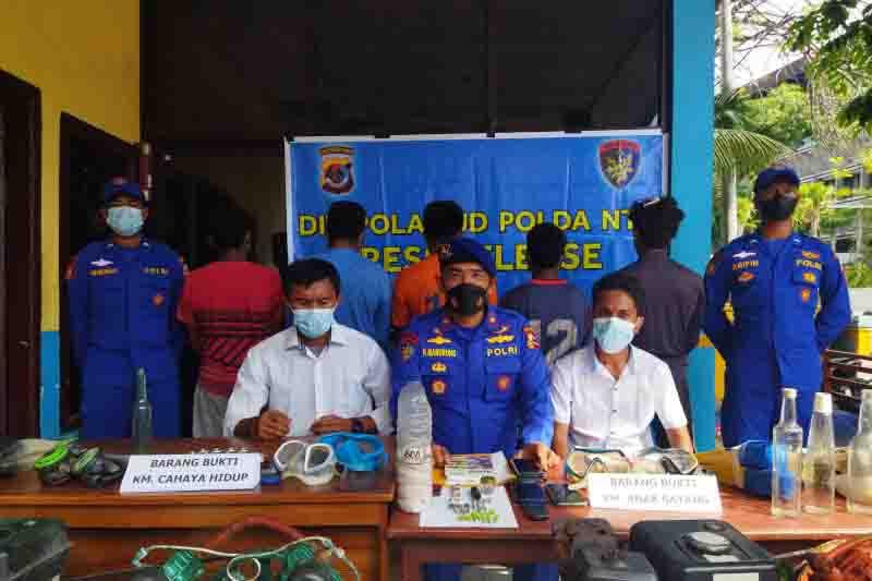 Ditpolair Polri Amankan 42 Detonator dari KM Anak Sayang di NTT, Ini Ancaman untuk Pelaku - JPNN.com Bali