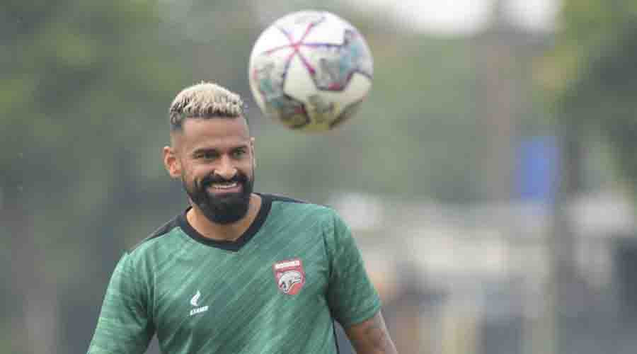 Coach Amir Galau Jelang Bentrok Kontra Bali United, Kritisi Striker Pesut Etam - JPNN.com Bali