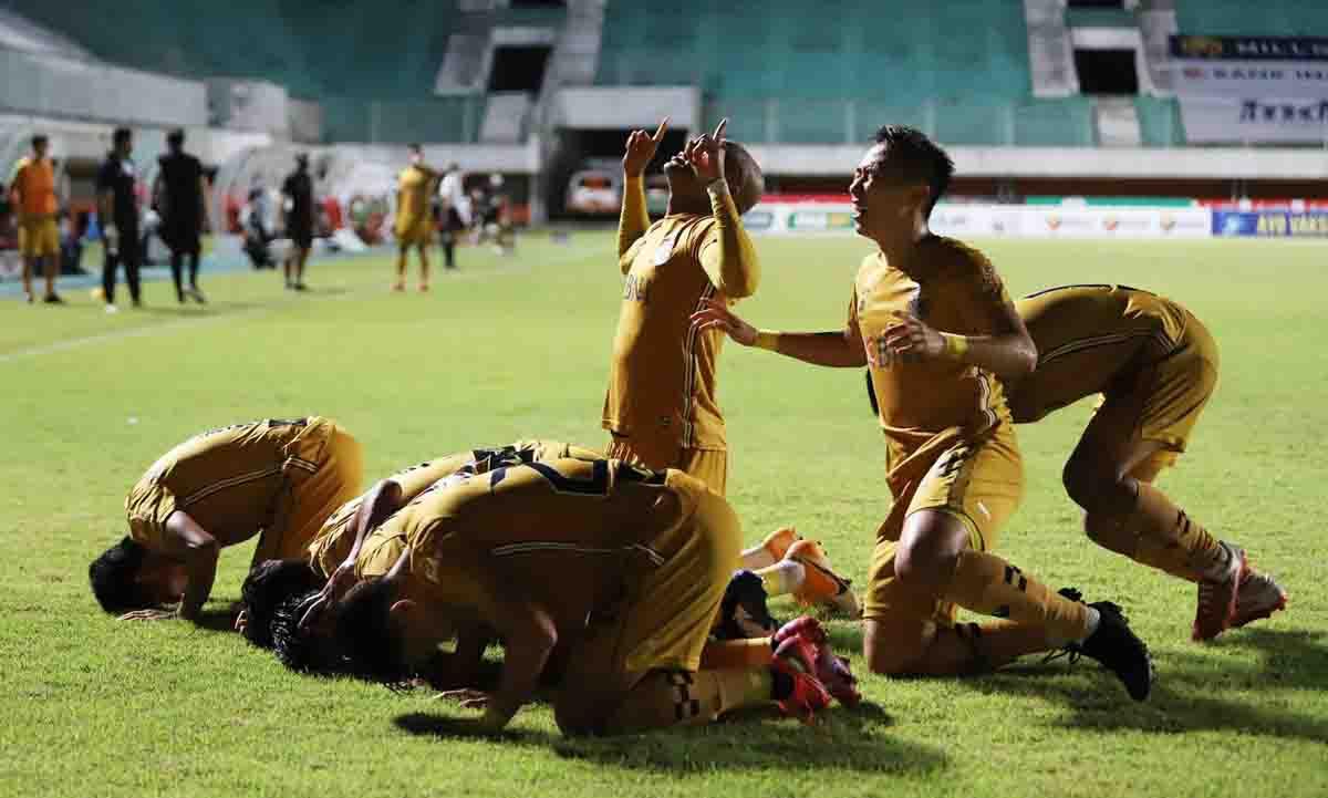 Paul Munster Bangga BFC Hancurkan Bali United, Sukses Gusur PSIS di Puncak Klasemen - JPNN.com Bali