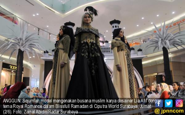 Pameran Busana Muslim Karya Lia Afif - JPNN.COM