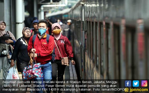 Stasiun Pasar Senen Mulai Dibanjiri Pemudik - JPNN.COM