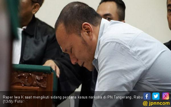 Iwa K Jalani Sidang Perdana - JPNN.COM