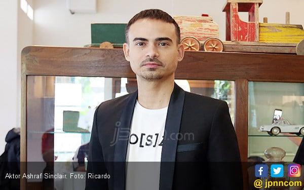 Penjelasan Keluarga Tentang Penyebab Kematian Ashraf Sinclair - JPNN.com