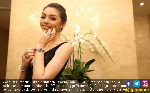Lotus Jalin Kerjasama Dengan Swarovski Gemstones - JPNN.COM