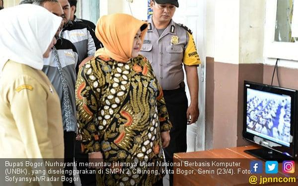 Bupati Bogor Pantau Pelaksanaan UNBK - JPNN.COM