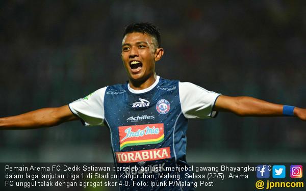 Arema FC Hajar Bhayangkara FC 4-0 - JPNN.COM