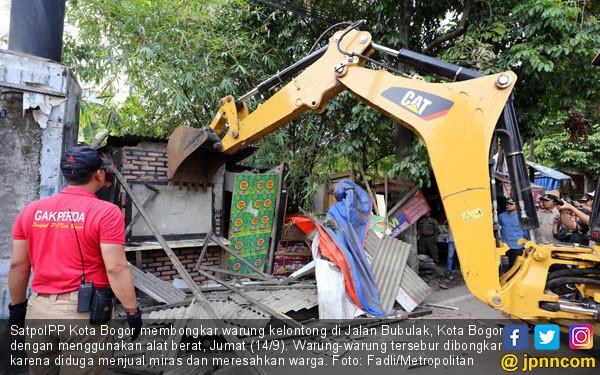 Warung Sepanjang Jalan Bubulak Bogor Dibongkar - JPNN.COM