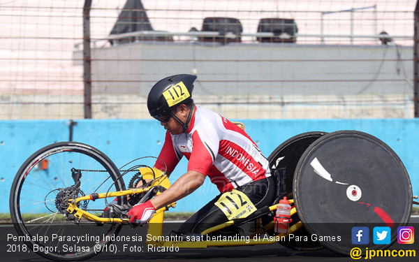 Pembalap Paracycling Indonesia Somantri - JPNN.COM