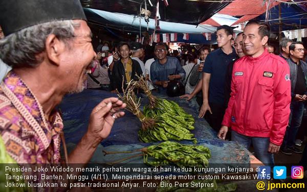 Jokowi dan Sandiaga Perang di Pasar - JPNN.COM