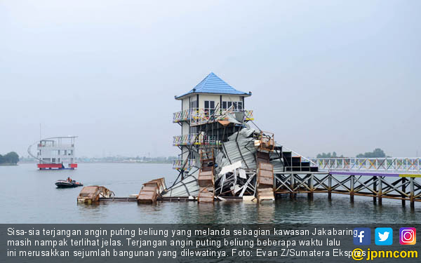 Angin Puting Beliung Sasar Kawasan Jakabaring - JPNN.COM