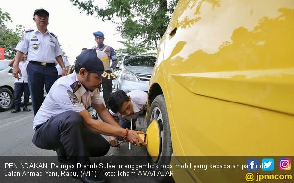 Dishub Sulsel Tindak Pelaku Parkir Liar - JPNN.COM