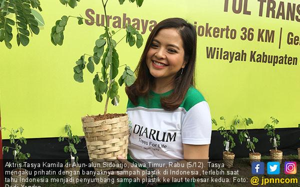 Soal Sampah Plastik, Tasya Merasa Prihatin - JPNN.COM