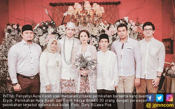 Congratulation, Aura Kasih dan Eryck - JPNN.COM