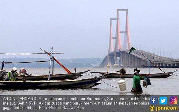Cuaca Buruk, Nelayan Masih Enggan Melaut - JPNN.COM