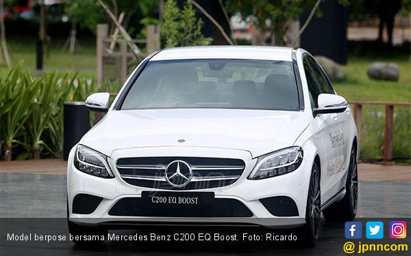 Mercedes Benz C200 EQ Boost - JPNN.COM