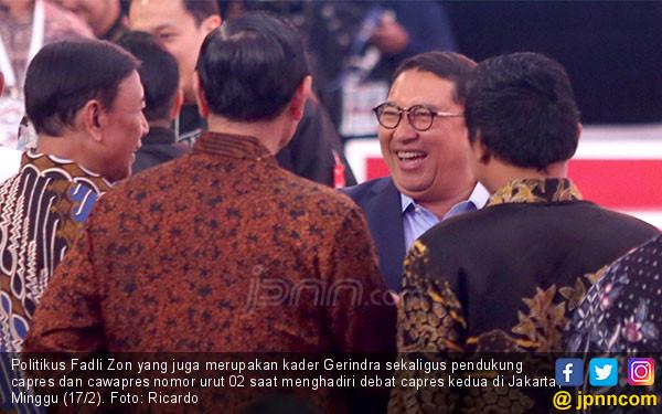 Debat Capres Kedua: Prabowo Merakyat, Jokowi Sok Canggih - JPNN.com