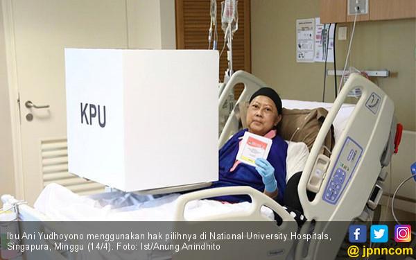 SBY Dampingi Ani Yudhoyono Mencoblos - JPNN.COM