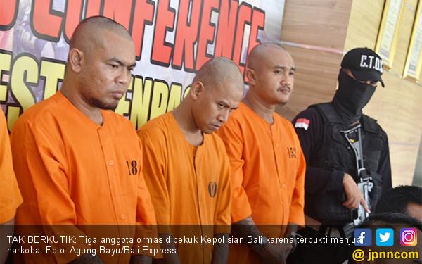 Jual Narkoba, Tiga Anggota Ormas Diciduk - JPNN.COM