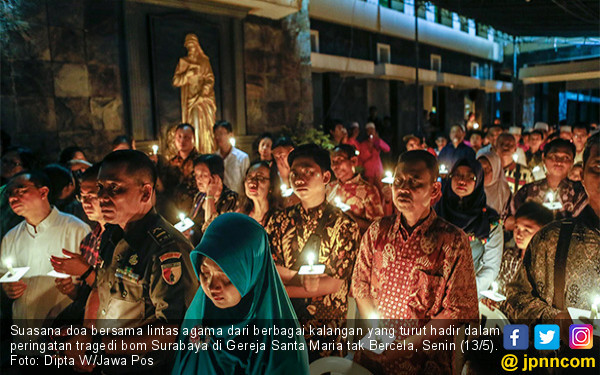 Lintas Agama Gelar Doa Tragedi Bom Surabaya - JPNN.COM
