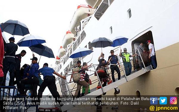 Pelabuhan Mulai Diserbu Pemudik - JPNN.COM