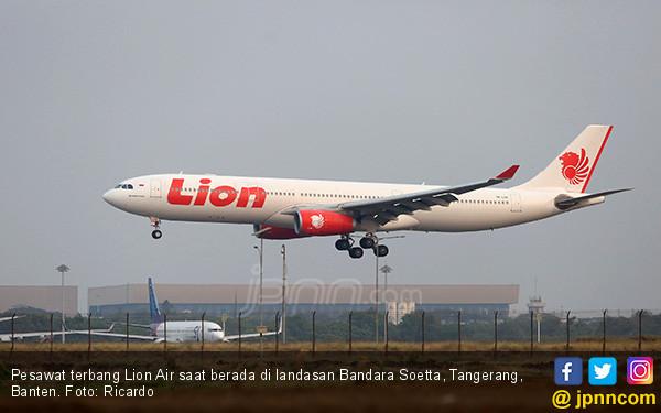Penumpang Sesak Napas, Lion Air Alihkan Pendaratan, Korban Meninggal Dunia di RS - JPNN.com