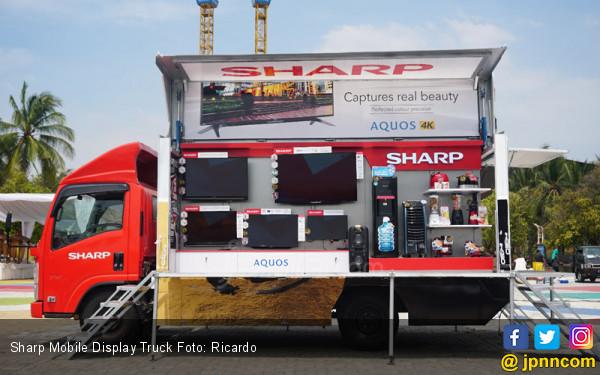 Sharp Indonesia Luncurkan Lima Unit Sharp 50 Years Mobile, Display Truck Kelilingi Nusantara - JPNN.COM