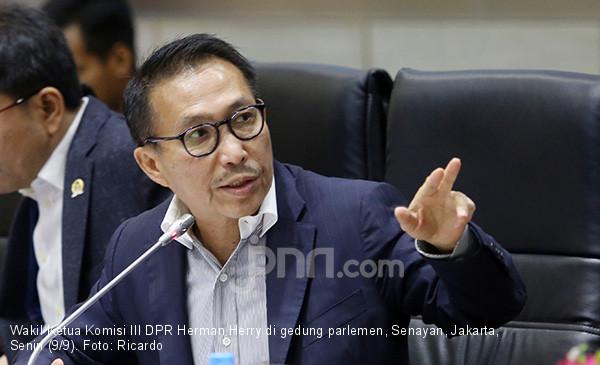 Komisi III Pelototi Kasus Penjualan Kondensat Bagian Negara oleh PT TPPI - JPNN.com