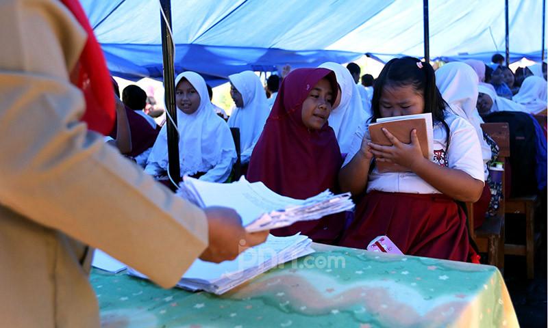 Mulai Hari Ini Belajar di Rumah Lagi, Terima Rapor 20 Juni, Tahun Ajaran Baru Kapan? - JPNN.com