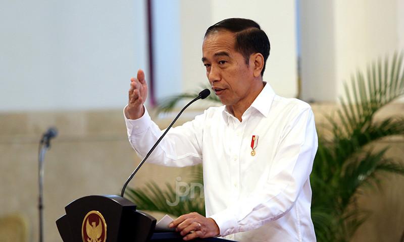Jokowi Ingin 2 Pekan Ini Sudah Ada Lokasi Vaksinasi Covid-19 Massal - JPNN.com