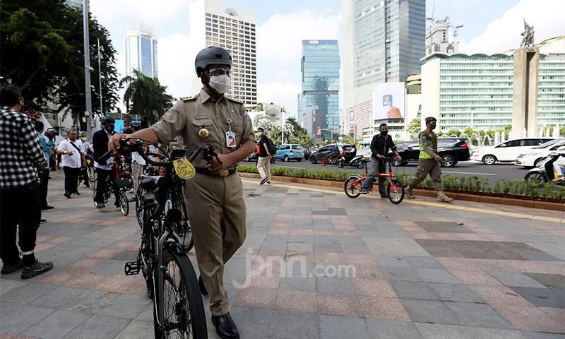 Pemprov DKI Segera Bangun Jalur Sepeda Permanen di Jalan Sudirman-Bundaran HI - JPNN.com