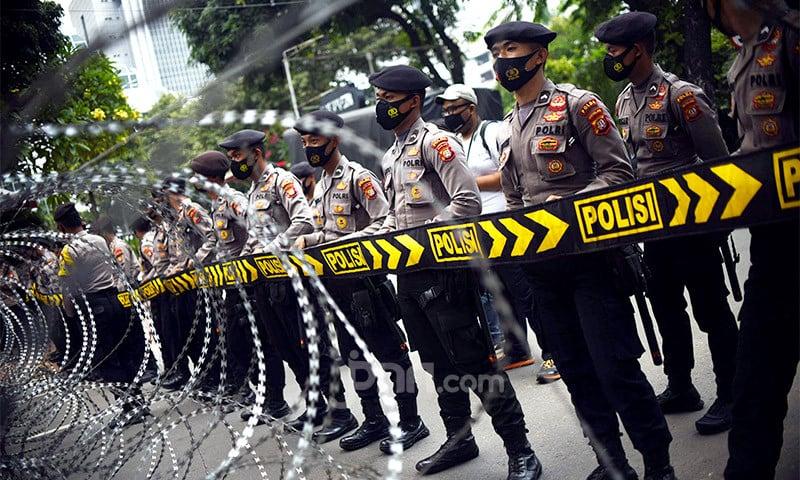 Polisi Mendobrak Pintu, Doni Kaget, Menangis Ketakutan - JPNN.com