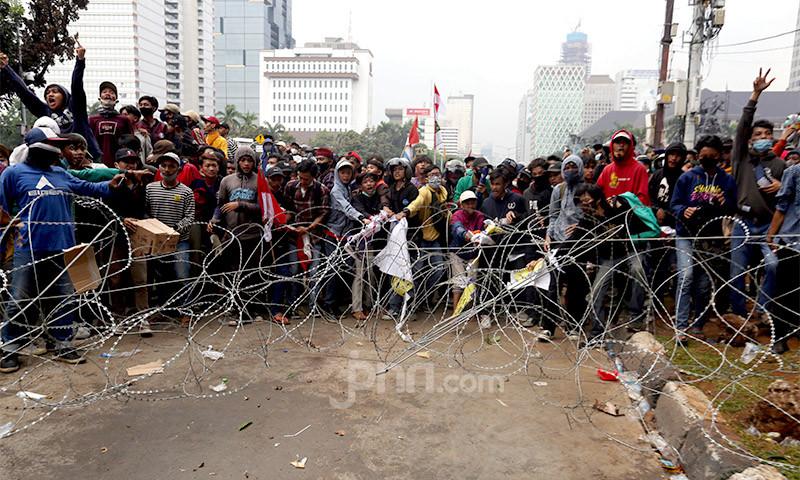 Temuan Polisi tentang Demo Rusuh: Unjuk Rasa Usai, Perusuh Beraksi - JPNN.com
