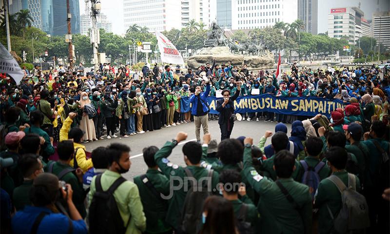 Jokowi Tak Respons Ultimatum, BEM SI Unjuk Rasa Hari Ini, Berapa Jumlah Massanya? - JPNN.com